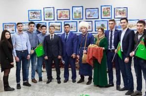 Студенты Университета на мероприятии, посвященном 25-летию независимости Туркменистана.